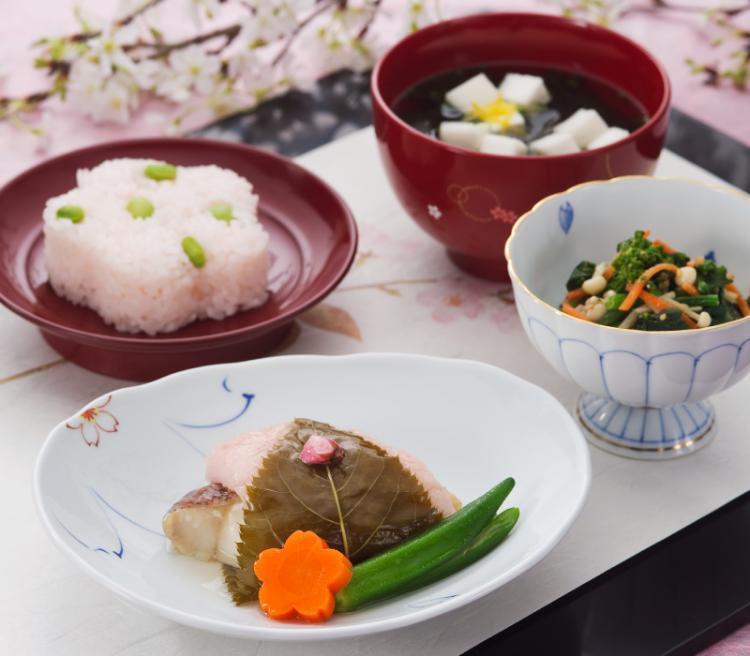 真藤舞衣子さんがセレクトした管理栄養士・料理研究家によるバランス栄養食「BC400」<1週間分5食・ご飯付き>の画像